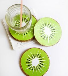 """Kiwi_coasters or Kiwi Serving Tray like the watermelon and orange trays I made with wooden table top and spoons used for handles. See my board """"DIY Summer Season"""" ~Cyndy White, Virginia Beach, VA @ Cynt3r3st on Pinterest."""