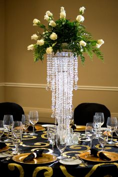 ..... amazing attention to details....Did someone say #centerpiece? #Weddings