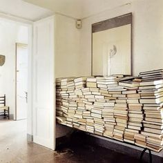 une pile de livres I am on my way to this. Stack Of Books, I Love Books, Read Books, Library Books, Paris Kitchen, Interior And Exterior, Interior Design, Exterior Paint, Interior Ideas