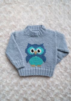 A 4ply sweater with a chubby little owl on the front for ages 0-5 years. Pattern comes with written knitting instructions and knitting chart.