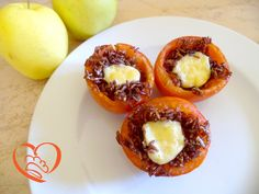 Pomodori ripieni di riso Venere e formaggio http://www.cuocaperpassione.it/ricetta/95371f4c-9f72-6375-b10c-ff0000780917/Pomodori_ripieni_di_riso_Venere_e_formaggio