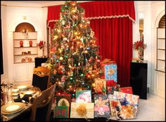 elvis at christmas | graceland memphis home of elvis presley elvis presley s grave at ...