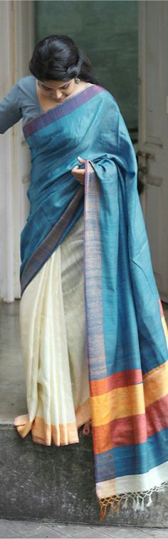 I love this Sari! Organic cotton kumbha collection by Sayan Chanda India Fashion, Ethnic Fashion, Asian Fashion, Trendy Fashion, Indian Attire, Indian Ethnic Wear, Indian Dresses, Indian Outfits, Indian Clothes