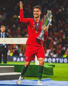 Cristiano Ronaldo Goals, Cristiano Ronaldo Wallpapers, Cristano Ronaldo, Cristiano Ronaldo Cr7, Football Player Boyfriend, Cr7 Portugal, Football Wallpaper, Indian Wedding Outfits, Football Players