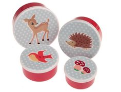 Love this bento set featuring woodland creatures. Easy for even preschoolers to take the lids on and off.