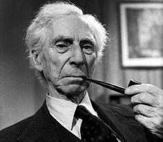 Bertrand Russel.  Filósofo y más que eso, contribuye en amplios campos fuera del cuerpo academico.