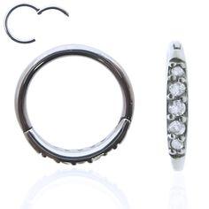 Anneau facile à poser en acier chirurgical avec brillants griffés. Cet anneau segment se pose à la main, en un clic !