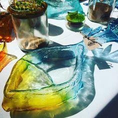 🐟🐟🐟❤️ @mall_marina #elijolical #elijopyme #viñadelmar @sercotec_valpo #centrodenegociosvalparaiso Alcoholic Drinks, Glass, Glass Bottles, Atelier, Studio, Drinkware, Alcoholic Beverages, Liquor, Alcohol Mix Drinks