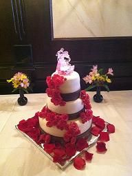 Cheese cake veggie tray and the wedding cakes were served on a cheese cake veggie tray and the wedding cakes were served on a table with white linens skirting and lights inside the tulle pinterest wedding cake solutioingenieria Images