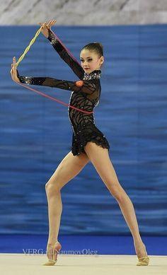 Arina Altushkina, Russia (junior) Love the combination of colorful rope and black leo. From Kondakova!!