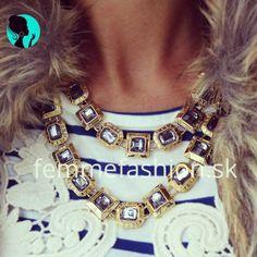 http://femmefashion.sk/nahrdelniky/1104-nahrdenik-nirvana.html Dvojitý náhrdelník vykladaný šedými kamienkami so zlatou kombináciou. Ak chceš zažiariť, tento náhrdelník je pre teba to pravé.