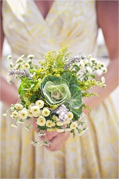 Inspiration and ideas for unique #summer #wedding #bouquets including cabbage heads, cotton balls and ribbons! #weddingplanning #weddinginspiration #tips #flowers #florals