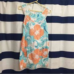 """Lily Pulitzer summer dress Beautiful dress with small flaw.  Missing """"chunk"""" of fabric can be sent along with it, I received it this way and wore it and you can't even tell! Lilly Pulitzer Dresses Mini"""