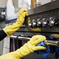 Sabia que óleo de bebê ajuda a limpar aço inox? Veja dicas