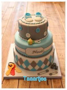 Baby boy cake    Know Where your kids are with The MamaBear app click here to find out more http://mamabearapp.com/best-apps-for-parents-in-2013/