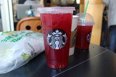 """Find and save images from the """"STARBUCKS😊"""" collection by on We Heart It, your everyday app to get lost in what you love. Starbucks Drinks, Starbucks Coffee, Hot Coffee, Coffee Drinks, Fruit Drinks, Smoothie Drinks, Smoothies, Beverages, Passion Tea Lemonade"""
