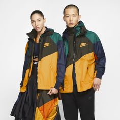 Nike x Sacai Anorak mit Kapuze – Gold NikeNike - planning. Tie Dye Jackets, Fall Jackets, Jackets For Women, Clothes For Women, Urban Outfitters, Nike Gear, Fall Pants, Urban Dresses, Teenager