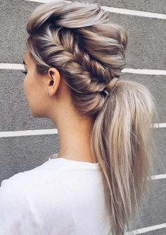 Create a perfect hairdo with the help of a braided ponytail. Remember: the first impression is always the most important one! Create a perfect hairdo with the help of a braided ponytail. Remember: the first impression is always the most important one! Wedding Ponytail Hairstyles, Box Braids Hairstyles, Hairstyle Ideas, Chic Hairstyles, Updo Hairstyle, Bridal Hairstyle, Hairstyles 2018, Elegant Hairstyles, Hairstyles For Dances