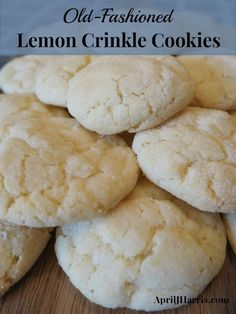 Old-Fashioned Lemon Crinkle Cookies - light lemony cookies the whole family will love