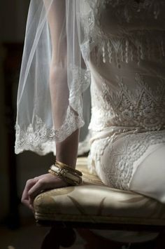 Old Fashioned Wedding, Tuscan Wedding, Linens And Lace, Wedding Updo, Bridal Beauty, Black Tie, Color Combos, Lace Skirt, Bride