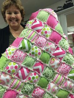 Puff quiltIs .  Is that Jennie Doan of Missouri Star Quilt company?  She does amazing tutorials for quick and fabulos quilting!
