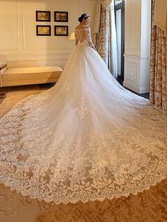 Tbdress.com offers high quality Sweetheart appliques demi-manches train chapelle robe de mariée Latest Wedding Dresses unit price of $ 171.94.