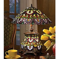 stained glass lamp...I will make something similar like this for my mom <3, someday. She already has an outline of one she wants me to make...lol