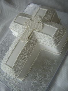 Baptism cake - another baptism party idea, maybe do the detail work in lt blue and put a descending dove in the center instead of the inset cross. Boy Communion Cake, First Holy Communion Cake, First Communion Dresses, Bautizo Cakes, Cross Cakes, Religious Cakes, Confirmation Cakes, Baptism Party, Baptism Ideas