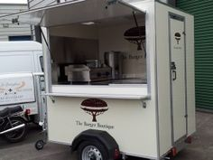 Incoming search terms: TRUCKS FOOD USATO You may also like mobile kitchens sale used food trailers for saleThe food industry plays an important role in not just the economy of the country… used mobile kitchens for sale Used Food Trailers, Small Food Trailer, Food Trailer For Sale, Food Truck For Sale, Trailers For Sale, Mobile Food Cart, Mobile Food Trucks, Food Cart Design, Food Truck Design
