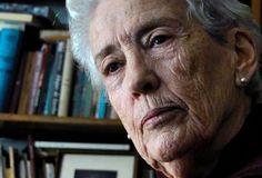 """""""No puedo decir que la posibilidad de un enfrentamiento bélico con Argentina haya estado en la agenda, pero era tema de conversación, sí"""", dijo la ex ministra de Defensa Azucena Berrutti, que contestó """"Las 40"""" de Montevideo Portal."""