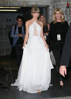 Taylor Swift - Taylor Swift Leaves the Lincoln Center After Attending the Fragrance Foundation Awards in New York City