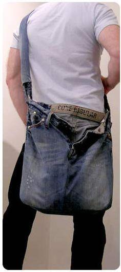 Man purse from jeans Denim Crafts, Jean Crafts, Mode Masculine, Blue Jean Purses, Diy Sac, Denim Handbags, Denim Purse, Denim Ideas, Recycled Denim