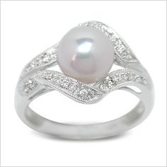 Wedding ring. Pearls and diamonds are just so gorgeous!