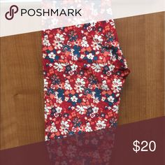 OS Floral Leggings BNWOT Never washed/ worn/ or even tried on. Floral, burnt oranges and deep teal, great fall colors! LuLaRoe Pants Leggings