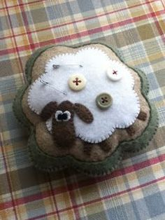 Kitties and Crafts: Call Sheep Crafts, Felt Crafts, Fabric Crafts, Sewing Crafts, Penny Rug Patterns, Wool Applique Patterns, Felt Applique, Primitive Embroidery, Wool Embroidery