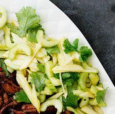 Omena-kurkkusalaatti | Kasvis, Lisukkeet, Arjen nopeat | Soppa365 Celery, Cabbage, Food And Drink, Vegetables, Recipes, Cabbages, Vegetable Recipes, Ripped Recipes