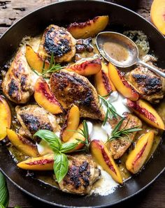 Monday's in August require a dinner like this rosemary peach chicken in white wine pan sauce. The post Rosemary Peach Chicken in a White Wine Pan Sauce. appeared first on Half Baked Harvest. White Wine Chicken, Peach Chicken, Rosemary Chicken, Baked Chicken, Good Food, Yummy Food, Yummy Lunch, Tasty, Cooking Recipes