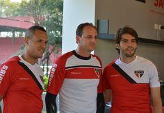 O REENCONTRO Após 11 anos, Rogério Ceni, Kaká e Luis Fabiano podem jogar juntos novamente - LEIA EM http://spfc.vc/1ufy3Sb (via São Paulo FC on Twitter)