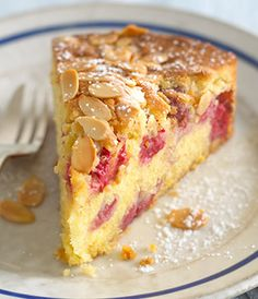 The divine combination of raspberries and almonds makes for a gorgeous fruity cake. Raspberry And Almond Cake, Raspberry Recipes, Almond Recipes, Baking Recipes, Dessert Recipes, Almond Pudding Recipe, Easy Pudding Recipes, Orange And Almond Cake, Almond Cakes