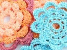 Free Crochet Pattern for a simple summer flower motif-create a beautiful ombre effect in crochet.