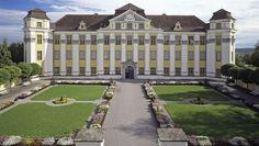 Auffahrt zum Neuen Schloss Tettnang