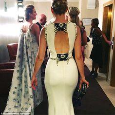 Elisabeth Baknc Venice Filme Festival 2015 in white dress crystal Dolce e Gabbana   http://modaefeminices.com.br/2015/09/03/vestidos-floral-dark-sao-a-proxima-tendencia-da-estacao/