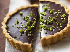 Tartaletas de Chocolate y trocitos de Pistachos | Postres Nestl� | Nestl� Postres