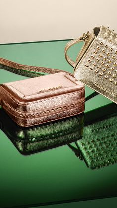 Complete your evening look with an elegant crossbody bag in metallic taupe pink leather