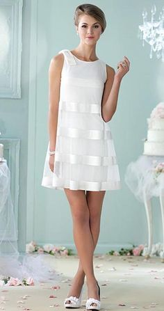 32 Vestidos de Novia Cortos y Fabulosos para tu Boda Civil o No Short wedding dresses for the civilian or for a second marriage. The online cut A is super flattering and the transparency on a more tight dress gives it an air of the & # but super modern. Mon Cheri Wedding Dresses, Mon Cheri Bridal, Bridal Dresses, Wedding Gowns, Wedding Dressses, Reception Dresses, Bridesmaid Dresses, Lace Weddings, Wedding Attire