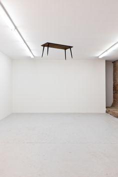 John Armleder at Swiss Institute (Contemporary Art Daily) Contemporary Art Daily, Contemporary Artists, Contemporary Sculpture, John Armleder, New York Exhibitions, 3d Street Art, Land Art, Installation Art, Art Installations