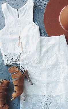two piece lace set. crop top and skirt two piece lace set. crop top and skirt Summer Outfits, Cute Outfits, Hipster Grunge, Bohemian Mode, Hippie Chic, Boho Chic, Vestidos Vintage, Mode Inspiration, Mode Style