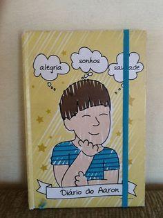 Quando ele me pediu um diário tive a idéia de personalizar ;) Caderno @mariapapel e arte www.carinhas.com.br