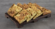 Greek crustless zucchini pie – Batzina by the Greek chef Akis Petretzikis. Make this super quick and easy recipe for a traditional Greek pie full of flavors! Greek Recipes, Raw Food Recipes, Cooking Recipes, Zucchini Pie, Nutrition Chart, Processed Sugar, Food Categories, Good Fats, Baking Pans