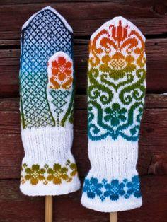 Ravelry: Karin Kurbits Mittens pattern by Johanne Landin Knitted Mittens Pattern, Fair Isle Knitting Patterns, Crochet Mittens, Fingerless Mittens, Knitting Charts, Knitted Gloves, Knitting Stitches, Knitting Socks, Knitting Designs